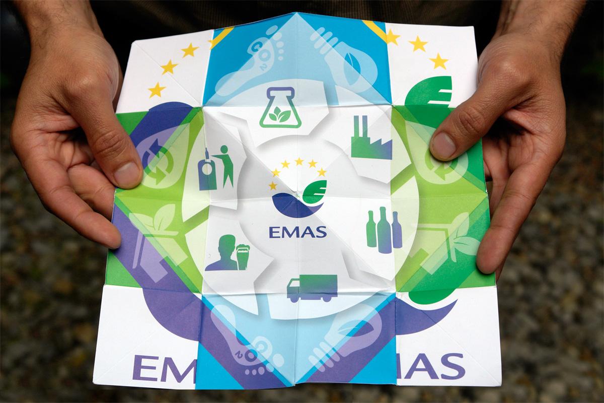 http://lapageoriginal.com/wp-content/uploads/2015/04/la-page-origami-EMAS1.jpg