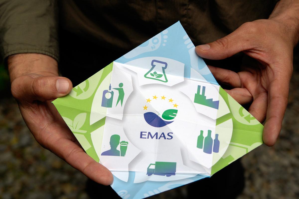 http://lapageoriginal.com/wp-content/uploads/2015/04/la-page-origami-EMAS2.jpg